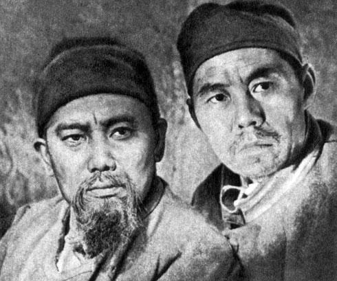 'Токтогул'. Реж. В. Немоляев. (Ток-тогул - К. Чодронов, его друг - Н. Китаев.) 1959