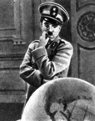 'Великий диктатор'. Реж. Ч. С. Чаплин. (Диктатор Хинкель - Ч. С. Чаплин.) 1940
