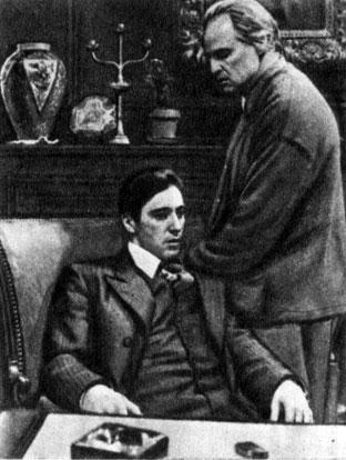 'Крёстный отец'. Реж. Ф. Ф. Коппола. (Майкл Корлеоне - А. Пачино, Дон Вито Корлеоне - М. Брандо.) 1972