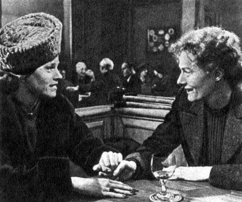 'Джулия', Реж. Ф. Цинпеман. (Лилиан - Дж. Фонда, Джулия - В. Редгрейв.) 1977
