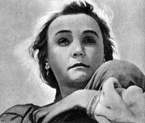 'Радуга'. Реж. М. Донской. (Олёна Костюк - Н. Ужвий.) 1944